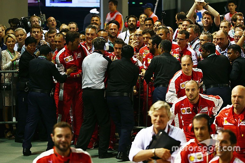 От Ferrari потребовали извинений