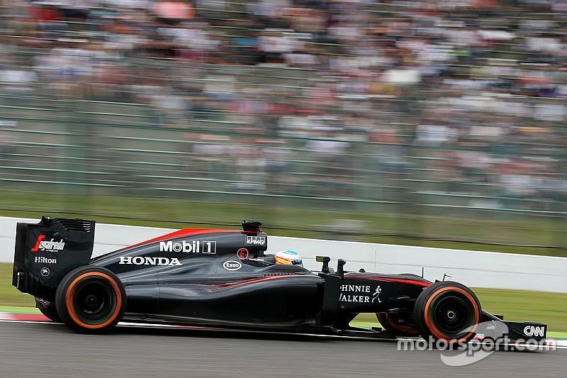"""Boullier """"amusé"""" par la grogne d'Alonso, qui a """"exagéré avec l'adrénaline"""""""