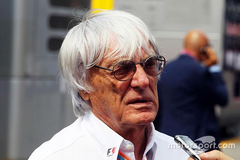 """Ecclestone: """"decisão sobre 3º carro será tomada em novembro"""""""