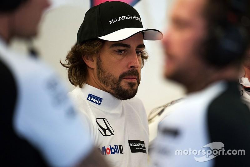 Alonso expresa su apoyo a Sainz