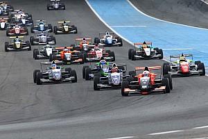 Formula Renault Ultime notizie Anthoine Hubert vince Gara 1 a Jerez
