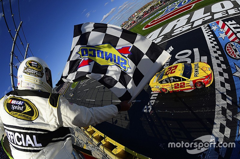 Logano earns free pass into Round 3 of Chase with Charlotte win