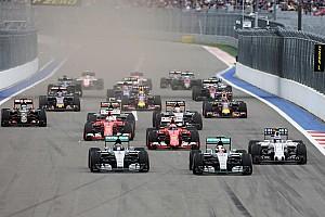 Formule 1 Nieuws Mosley waarschuwt: 'Fabrikanten hebben F1 in handen'