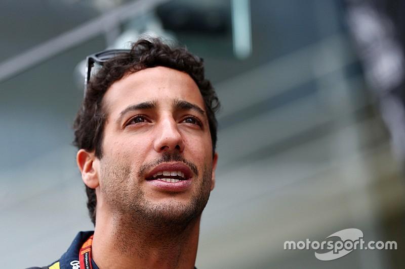 Ricciardo: el nuevo motor Renault podría influir en los planes de 2016