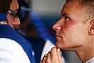 Bottas ironiza relação com Kimi após trombadas: