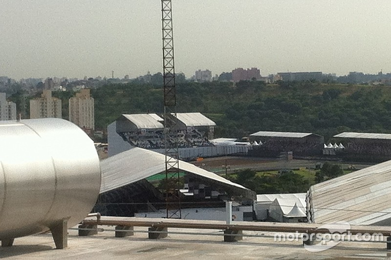 Chuva causa estragos e camarote da Globo não é recuperado