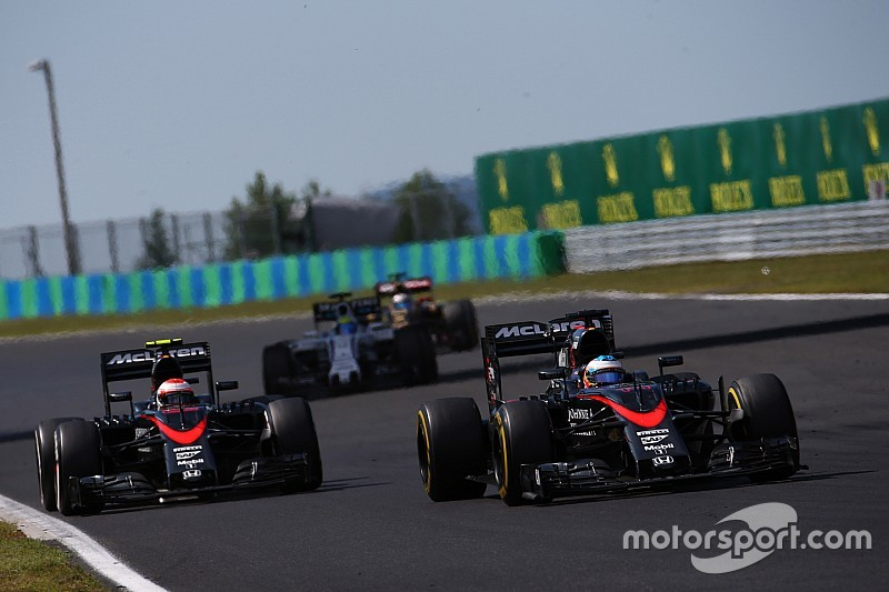 """Button: """"Alonso es un desafío mayor que Hamilton"""""""