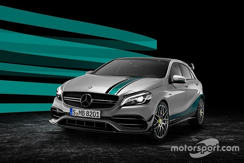 Mercedes viert wereldtitels met kampioensauto voor openbare weg