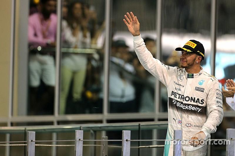 """Para Hamilton, regulamento de 2017 da F1 é """"péssima ideia"""""""