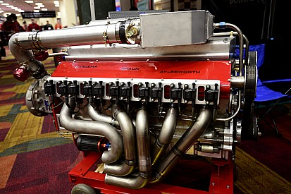 Master tinkerers hatch V1200 boat engine