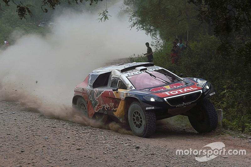 Dakar, una doppia foratura costa la leadership a Loeb
