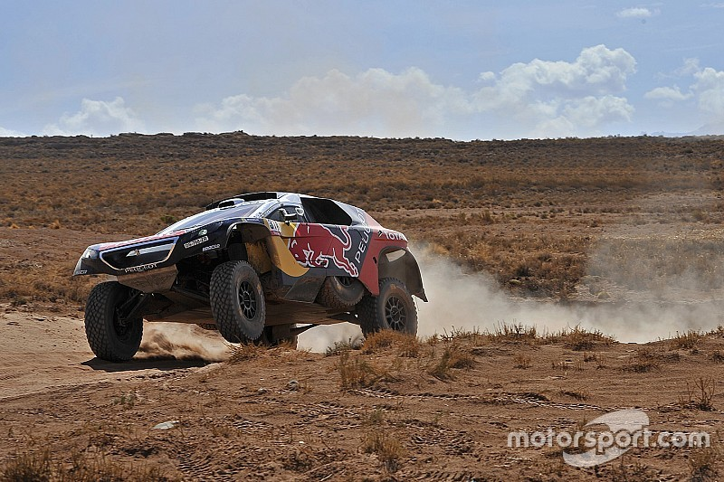 Dakar, a metà gara Peugeot domina la classifica