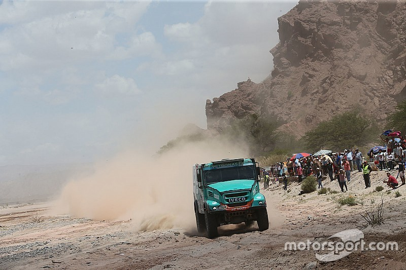 Dakar Trucks, Stage 9: IVECO duo De Rooy and Van Genugten dominate