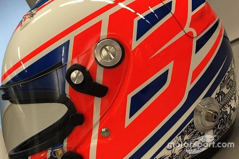 Com cores do passado, Button exibe capacete para 2016