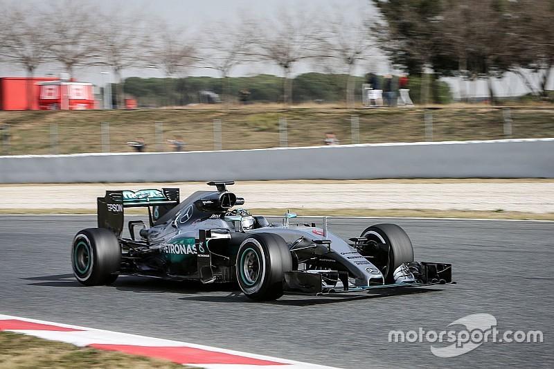 Mercedes еще не раскрыла всех карт, уверен Росберг