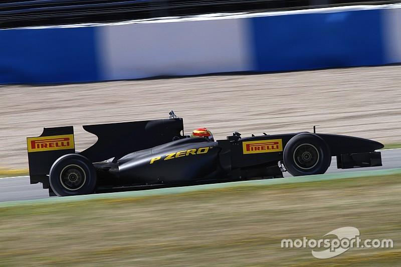 Pirelli pode testar pneus de 2017 com motores V8