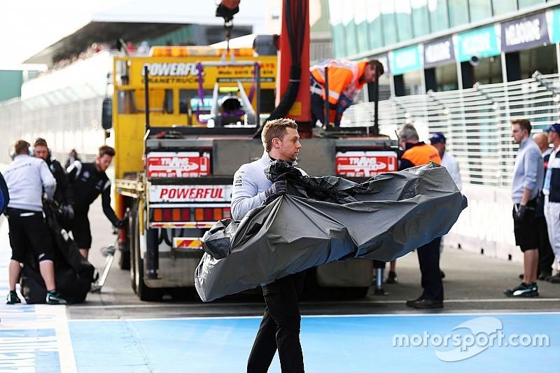 Rosberg neemt schuld op zich van crash in training