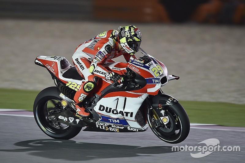 Andrea Iannone übernimmt in Katar die Spitze