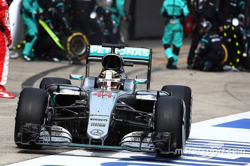 """Hamilton: """"Mi coche era como una cama vieja hoy"""""""