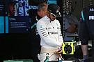 Hamilton: quero terminar minha carreira bem como Rossi