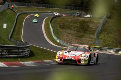 24h Nürburgring Qualifikationsrennen: Porsche dominiert trotz Zusatzgewicht