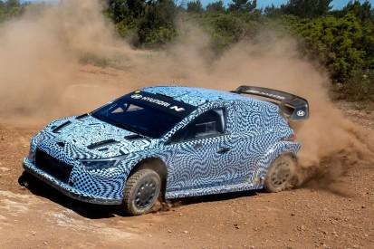 Hyundai startet Testfahrten mit Rally1-Auto für die WRC 2022