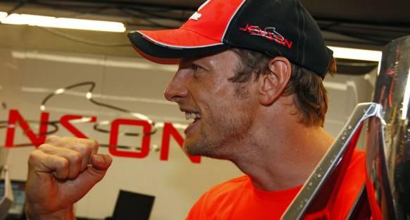 'Button, gelecekteki McLaren araçları için çok önemli'
