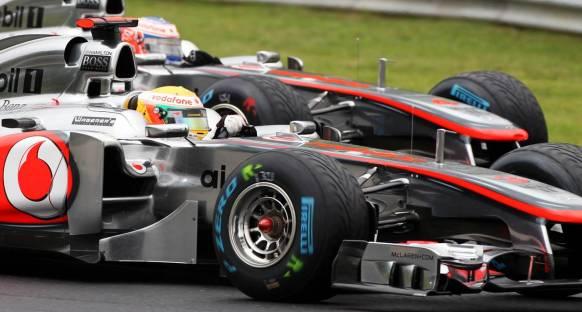 İtalya Grand Prix 2011 Cuma 1. antrenmanlar - Lider hamilton