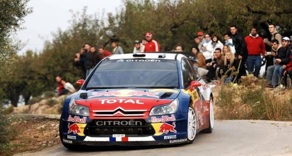 Loeb lider, Ogier ve Latvala fırsat kolluyor