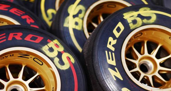 Silverstone'da medium ve sert lastikler kullanılacak