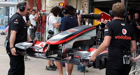McLaren'in Ön Kanadı Esniyor Mu?