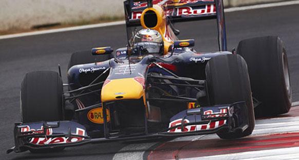 Red Bullar son saniyede coştular - Vettel ilk sırada