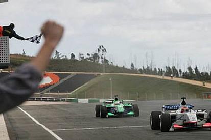 Algarve'de ikinci yarışı Jani kazandı