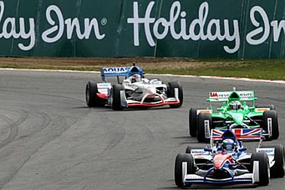 Liuzzi ilk A1GP yarışında pole pozisyonunda