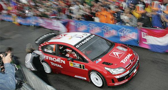 İtalya'da Loeb lider götürüyor