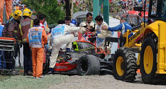 McLaren: 'Kazaya yabancı bir madde yolaçmış olabilir'
