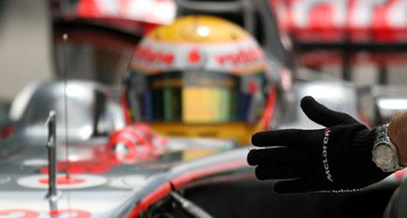 McLaren pilotlarını savundu