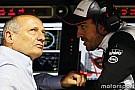 Dennis Alonso'nun yarışabilmesi için bastırıyor