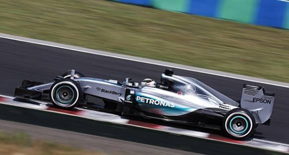 Hamilton lider, Red Bull'lar ilk üçte