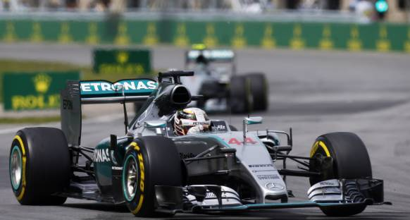 Hamilton bu sene araçtan memnun