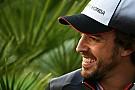 Fernando Alonso muestra sus dotes como