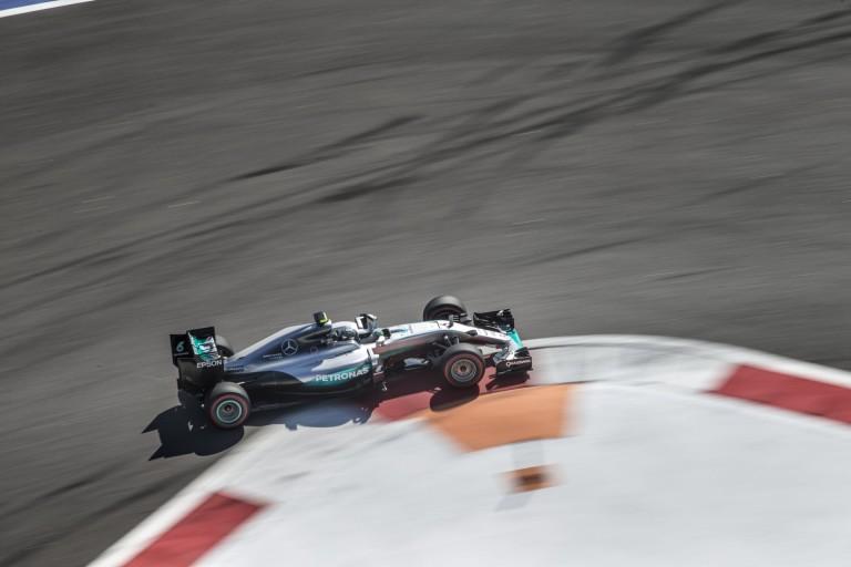 A Mercedes is aggódik Rosberg motorjáért, ahogy Hamiltonéért is!