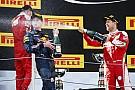Történelmi képgaléria a Forma-1-ben: Max Verstappen és az első győzelem