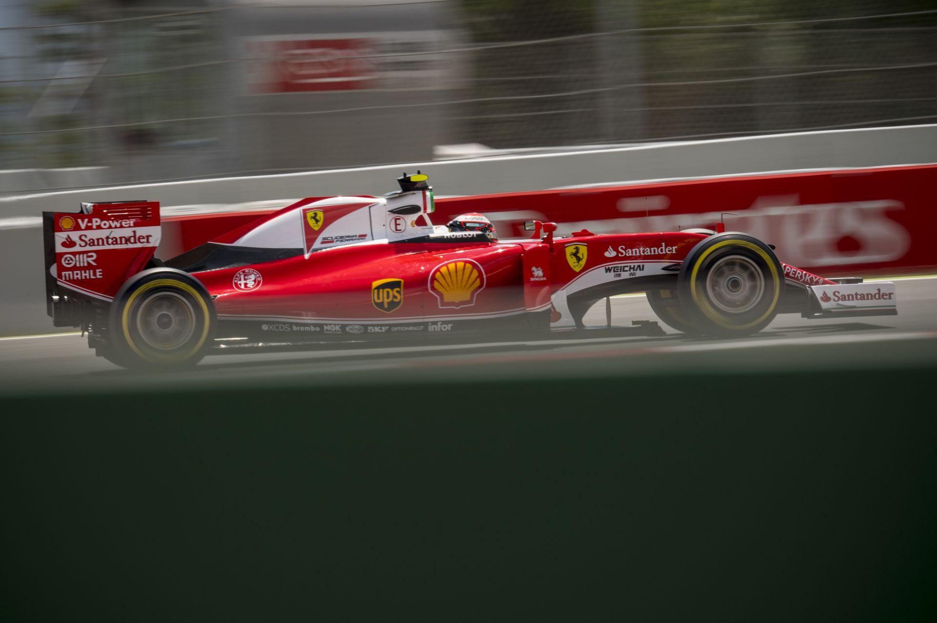 Egy kameraképen: Raikkönen Verstappen, Ricciardo Vettel ellen