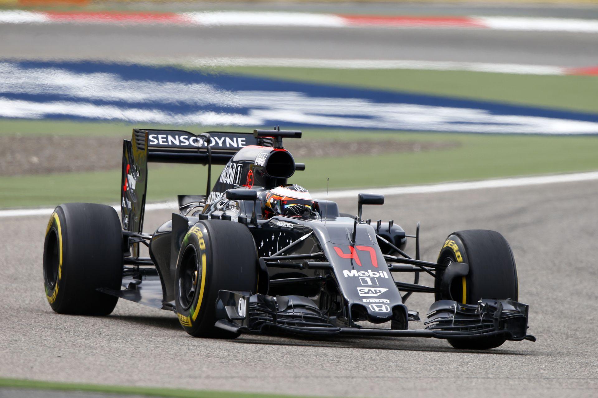 A McLaren nagy tehetsége rögtön egy negyedik hellyel nyitott az időmérőn