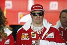 """Raikkönen pályára vitte a """"botrányos halót"""" a Ferrarival, és vezeti a tesztet Barcelonában"""