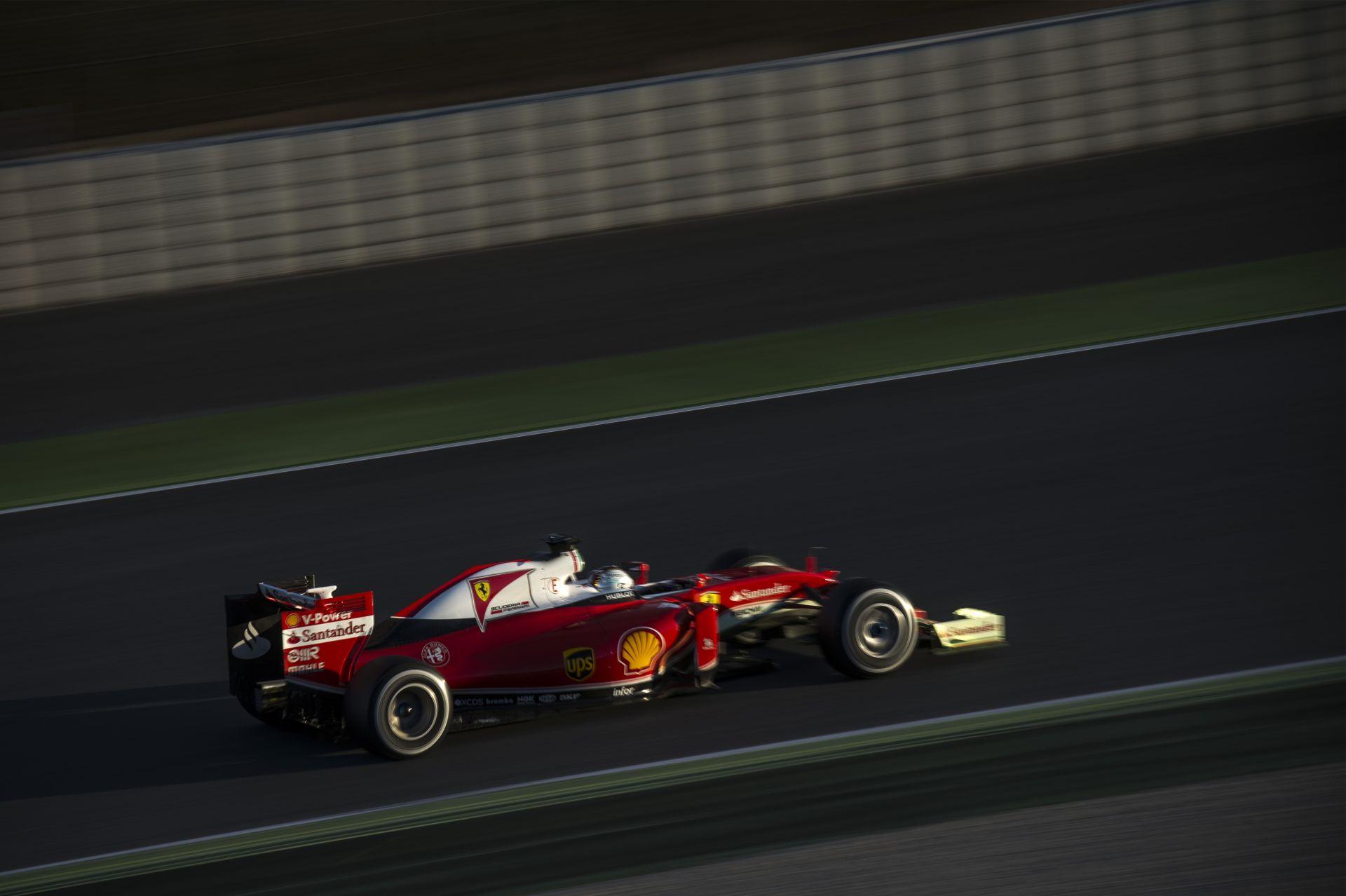 9 probléma a Ferrari motorjain, de az ügyfelek persze nem mondhatnak semmit