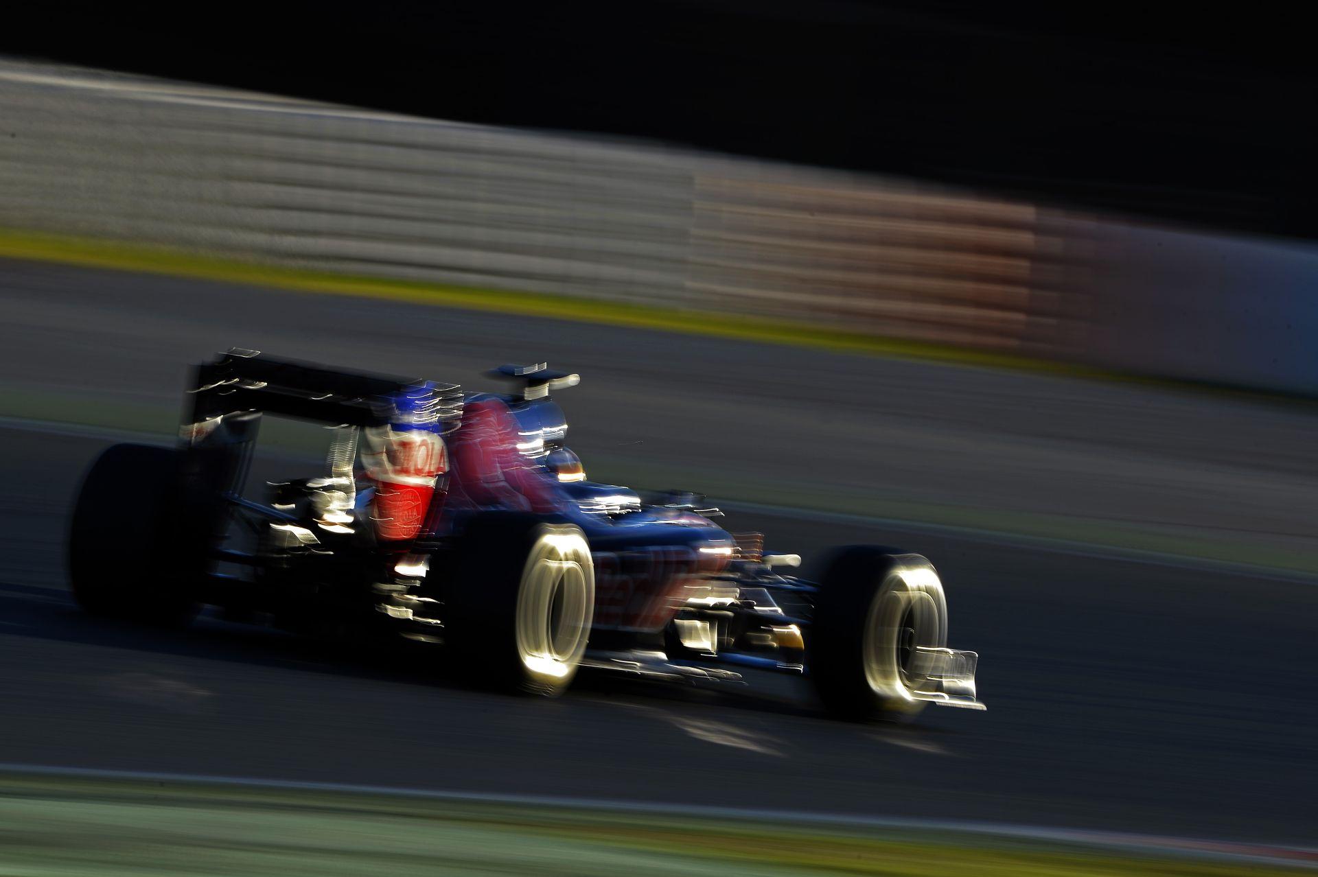 Verstappen: Lehet, hogy három évet húzok le a Toro Rossonál, de nem ez a célom!