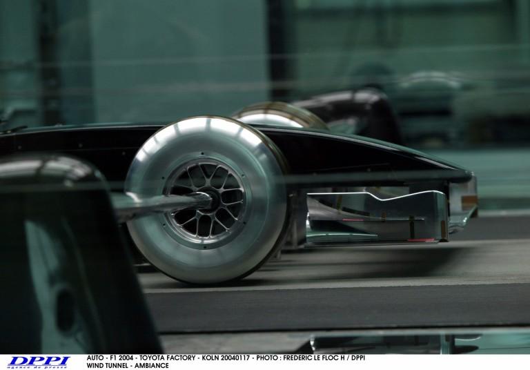"""Csúszhat a 2017-es autók szélcsatornás fejlesztése a """"gumihiány"""" miatt"""
