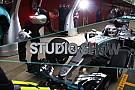 Exkluzív hivatalos felvételek a Mercedes W07 Hibrid pályagurulásáról